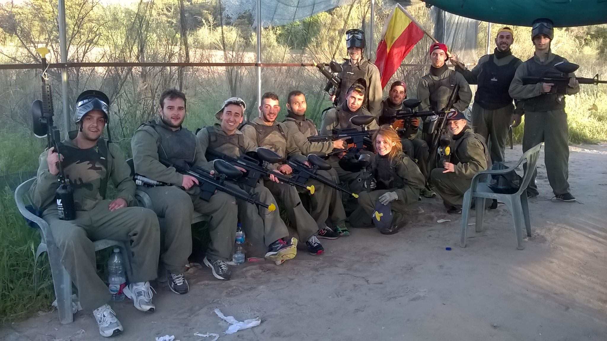 Click to enlarge image grupo-paintball-madrid.jpg